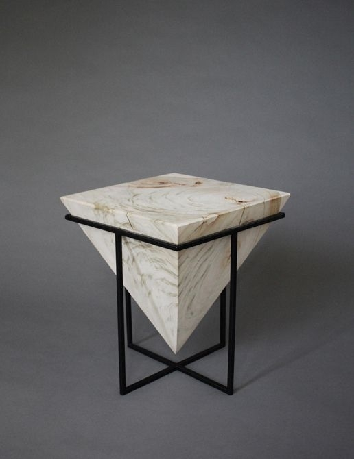 Featured Image of Inverted Triangle Coffee Tables