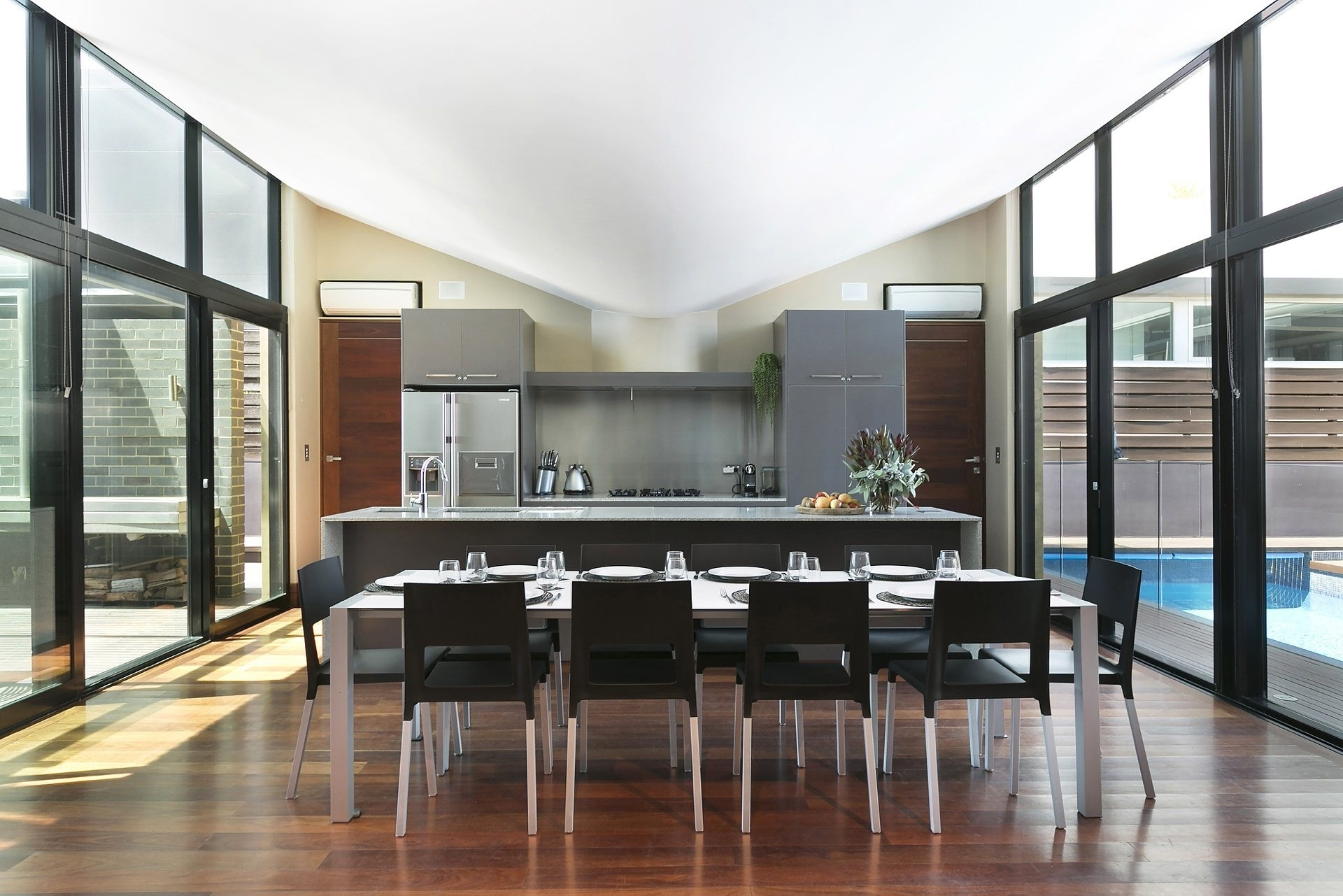 Bulli Holiday House – The Weaver Beach House On Sandon Point Intended For Most Recently Released Weaver Ii Dining Tables (View 20 of 20)