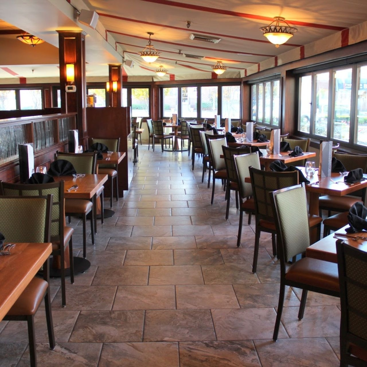 Cafe Escadrille Restaurant – Burlington, Ma | Opentable Intended For Best And Newest Bale 7 Piece Dining Sets With Dom Side Chairs (Image 10 of 20)