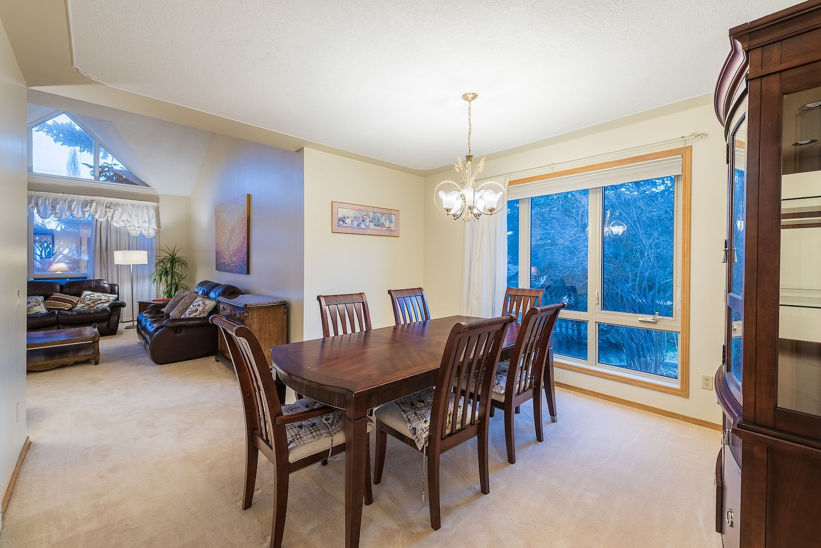 Calgary House For Rent | Patterson | Outstanding House In Patterson Pertaining To Current Patterson 6 Piece Dining Sets (Image 3 of 20)