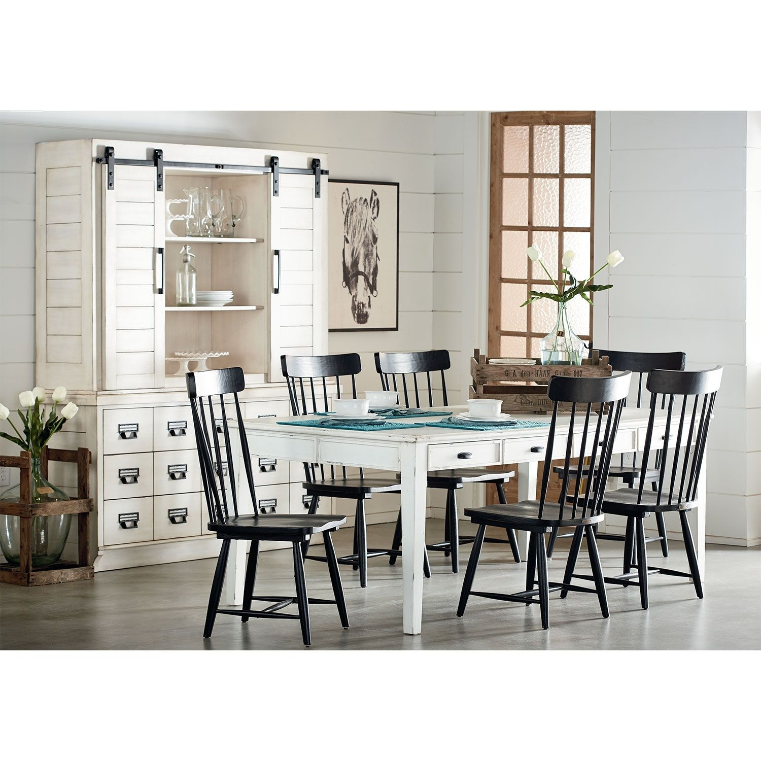 Farmhouse Keeping Table, Six Farmhouse Spindle Back Chairs And Two With 2017 Candice Ii 7 Piece Extension Rectangular Dining Sets With Slat Back Side Chairs (View 8 of 20)
