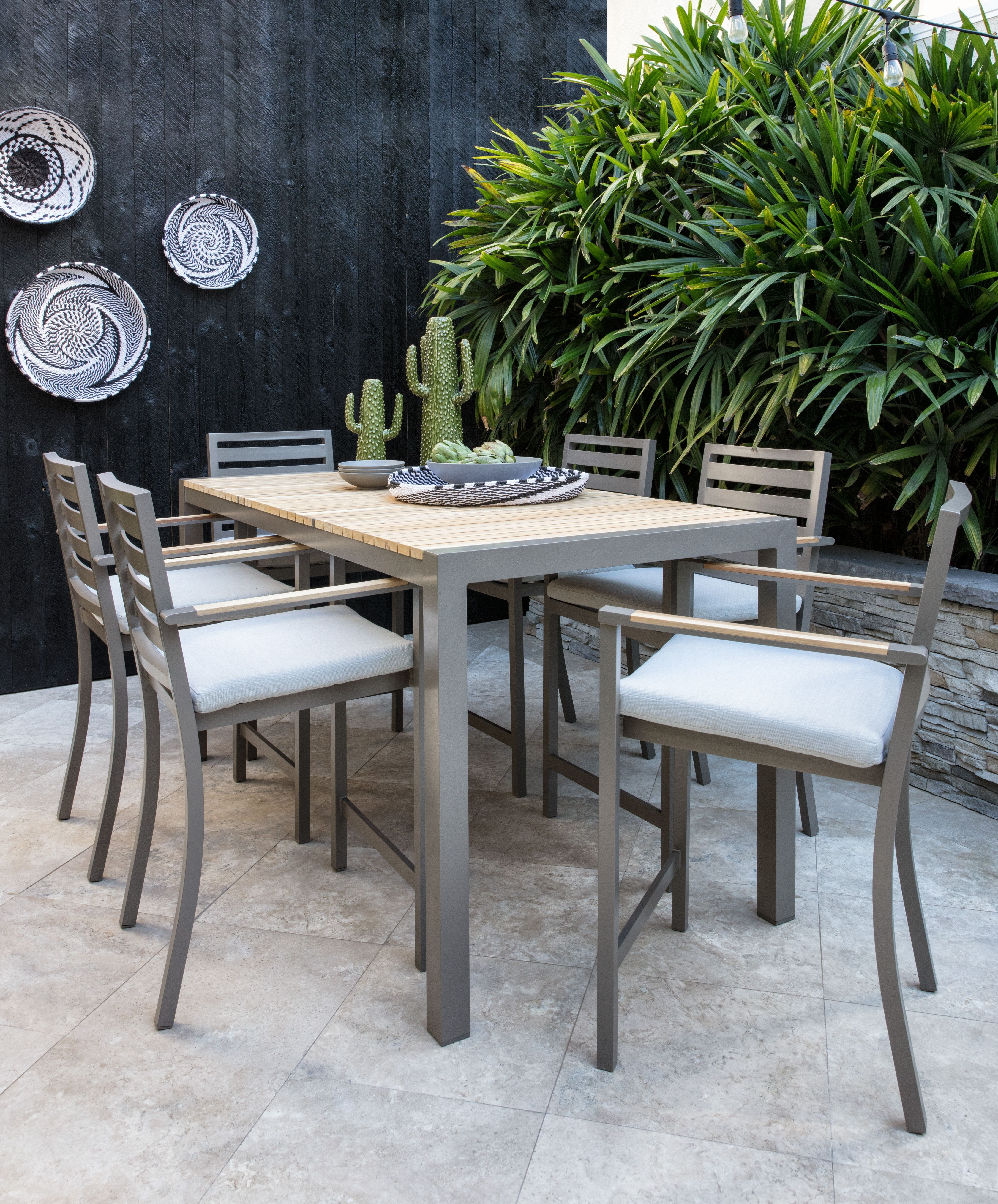 Featured Image of Outdoor Brasilia Teak High Dining Tables