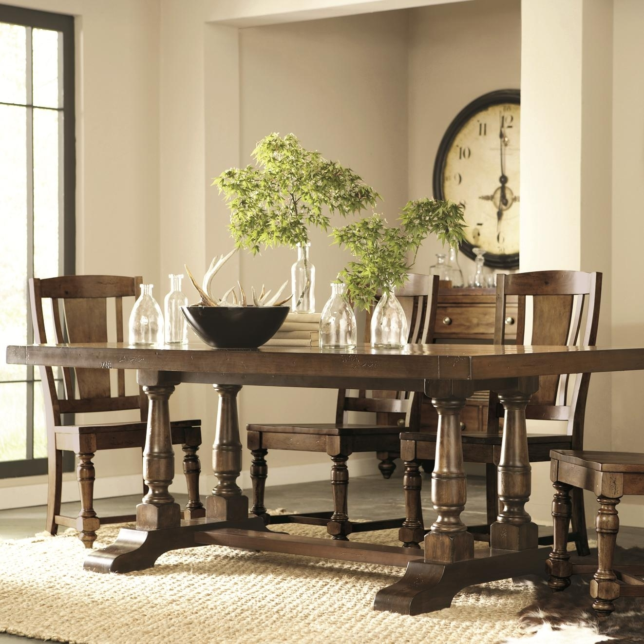 Riverside Furniture Newburgh 5 Piece Rectangular Dining Table And For Most Popular Norwood Rectangle Extension Dining Tables (Photo 10 of 20)
