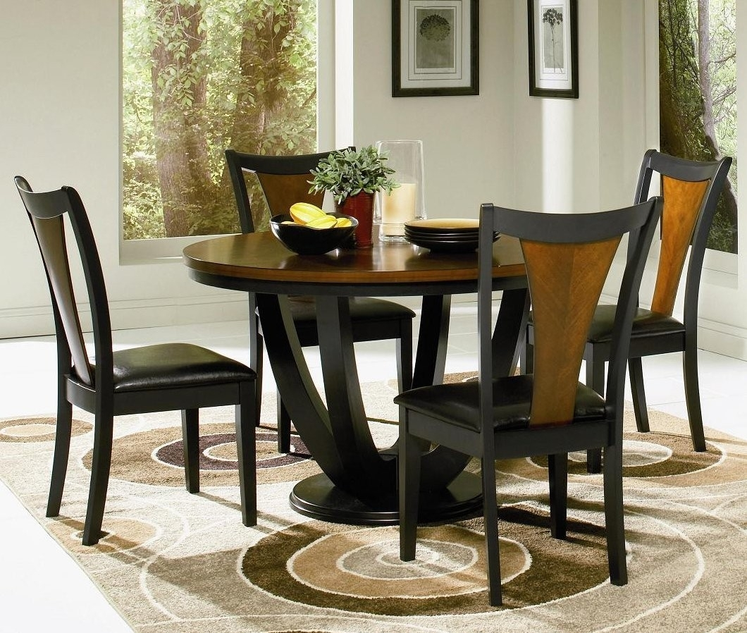 Round Dinner Table Set – Castrophotos Throughout Most Up To Date Macie 5 Piece Round Dining Sets (View 15 of 20)