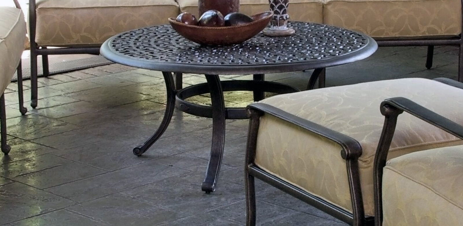 Sienna Tables – Castelle Luxury Outdoor Furniture Throughout Most Up To Date Outdoor Sienna Dining Tables (Image 19 of 20)