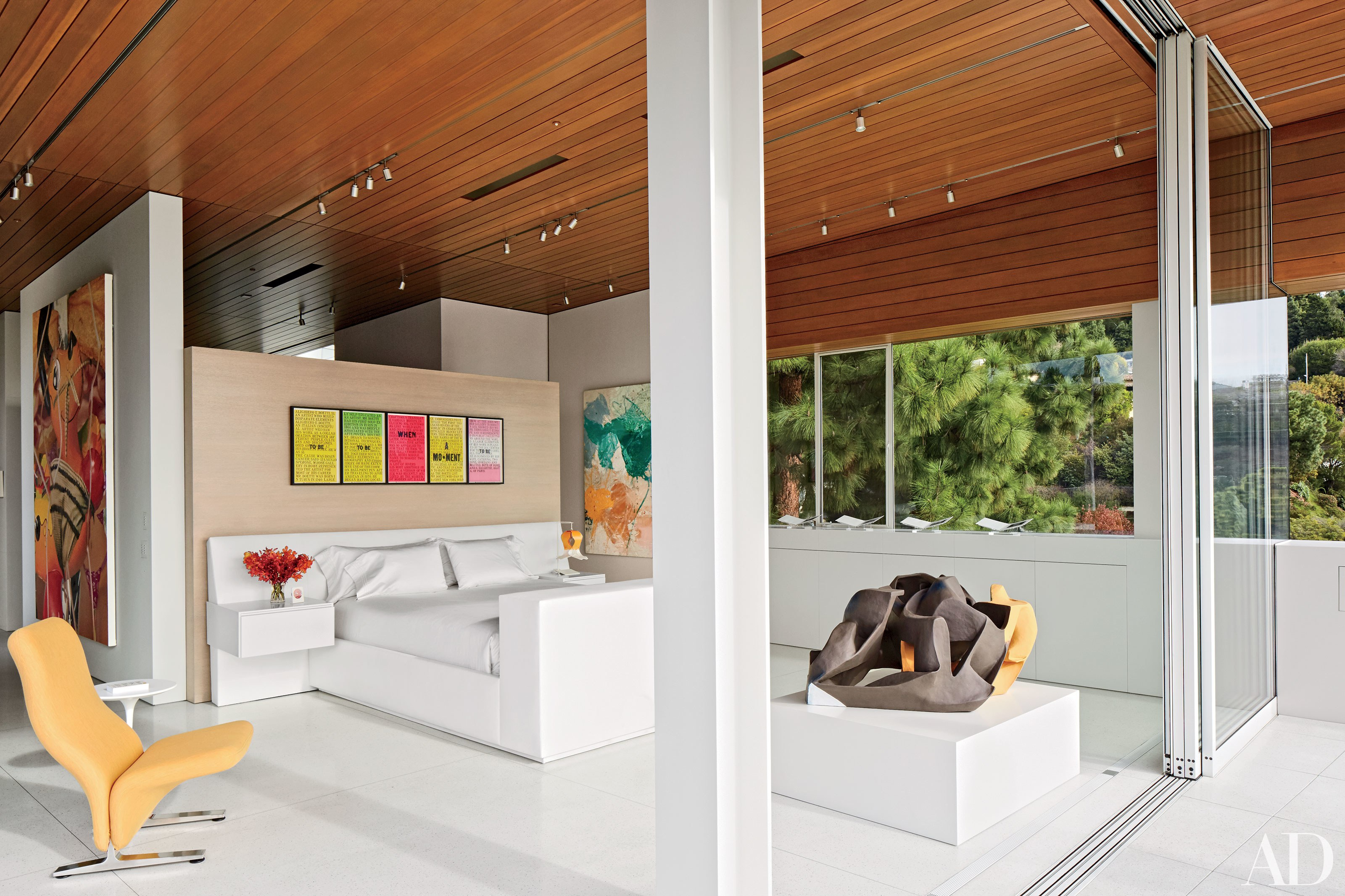 24 Contemporary Bedrooms With Sleek And Serene Style Photos Intended For Mcdade Ash Sofa Chairs (Photo 11 of 20)