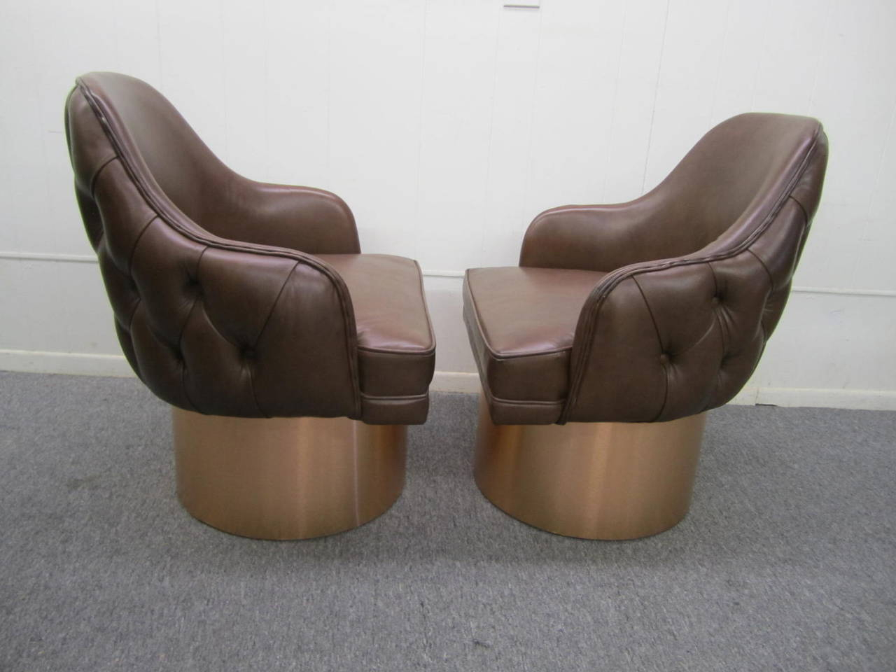 Excellent Set Of Four Milo Baughman Style Tufted Back Leather Swivel Inside Chocolate Brown Leather Tufted Swivel Chairs (View 5 of 20)
