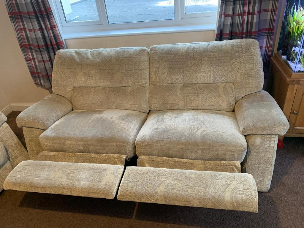 Large Reclining 2 Seater Sofa And 2 Arm Chairs | In Newton Abbot Intended For Devon Ii Arm Sofa Chairs (Image 11 of 20)