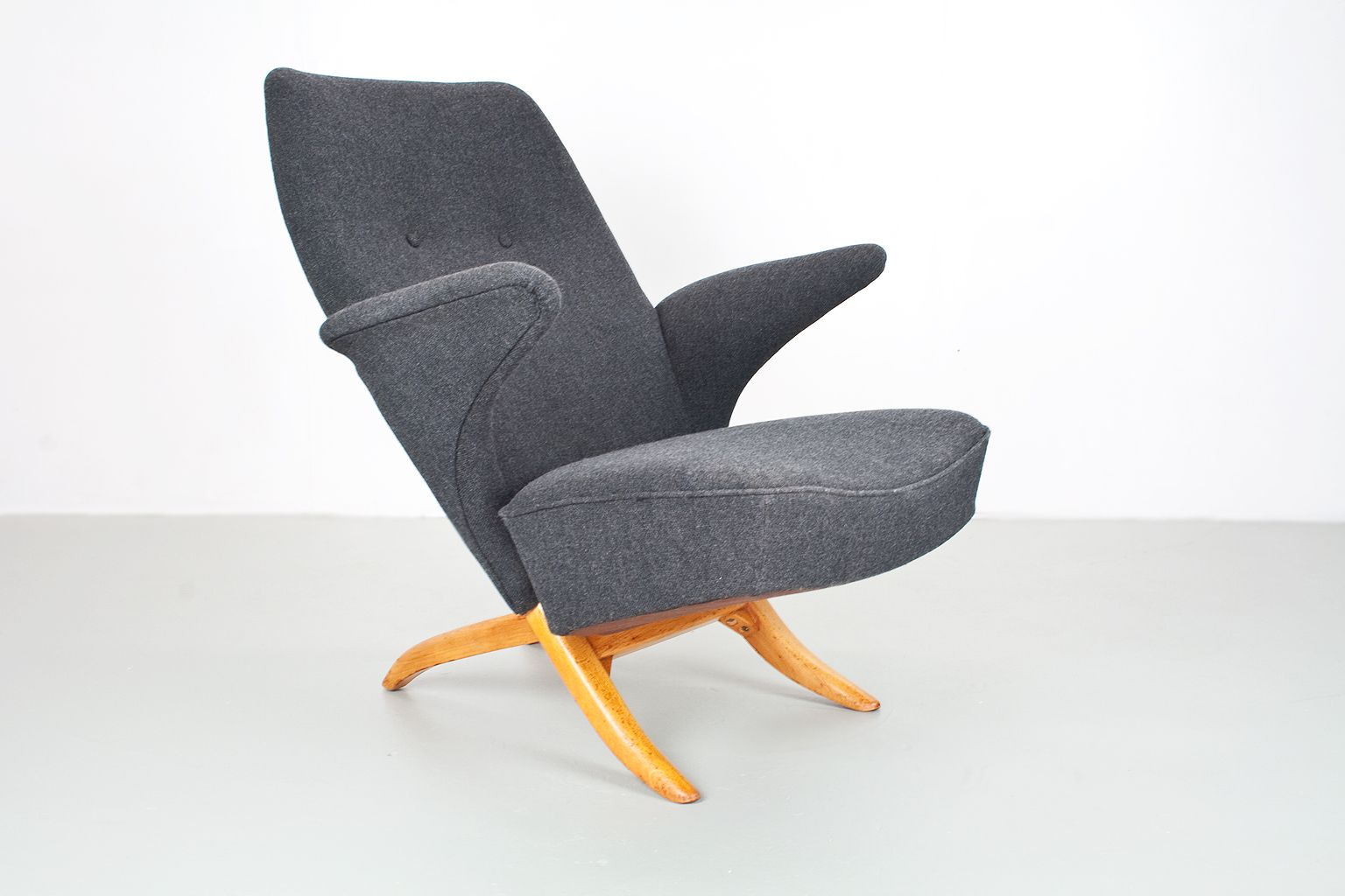Penguin Lounge Chairtheo Ruth For Artifort, 1950S For Sale At Pamono Regarding Theo Ii Swivel Chairs (Image 12 of 20)
