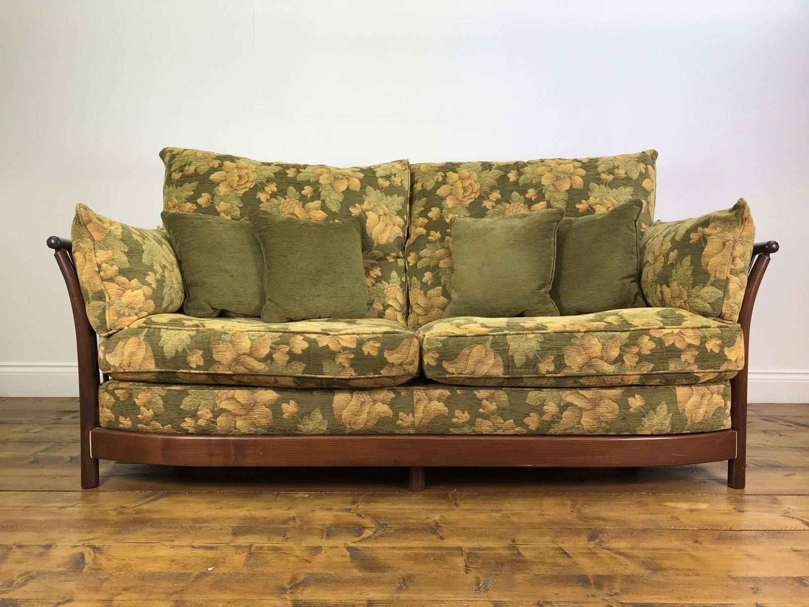 Stunning Ercol Renaissance 3 Seater Sofa Golden Dawn Elm Chair Sofa With Regard To Elm Sofa Chairs (Image 16 of 20)