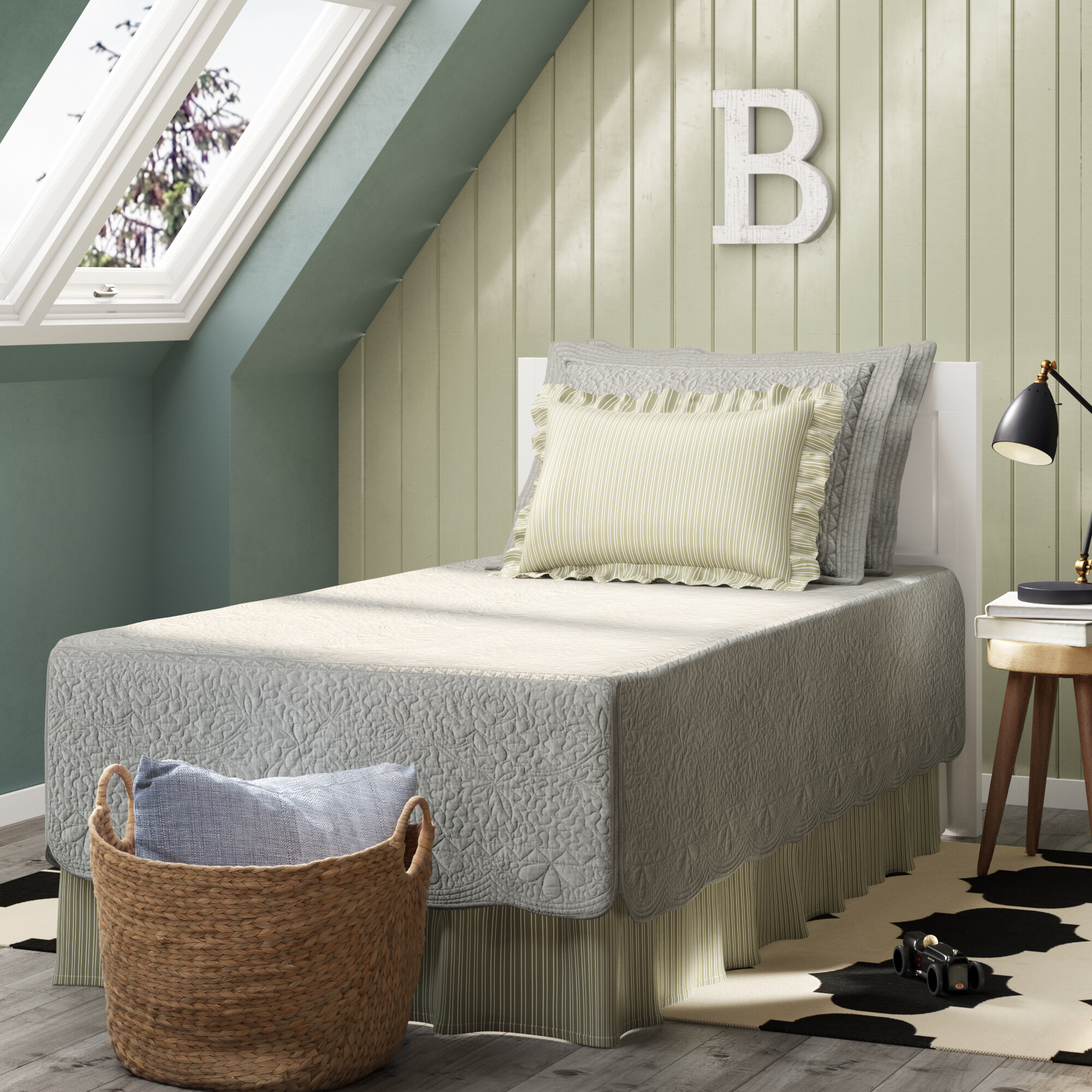 Annamae Gray 5 Piece Quilt Set With Regard To Most Recently Released Queener 5 Piece Dining Sets (View 17 of 20)