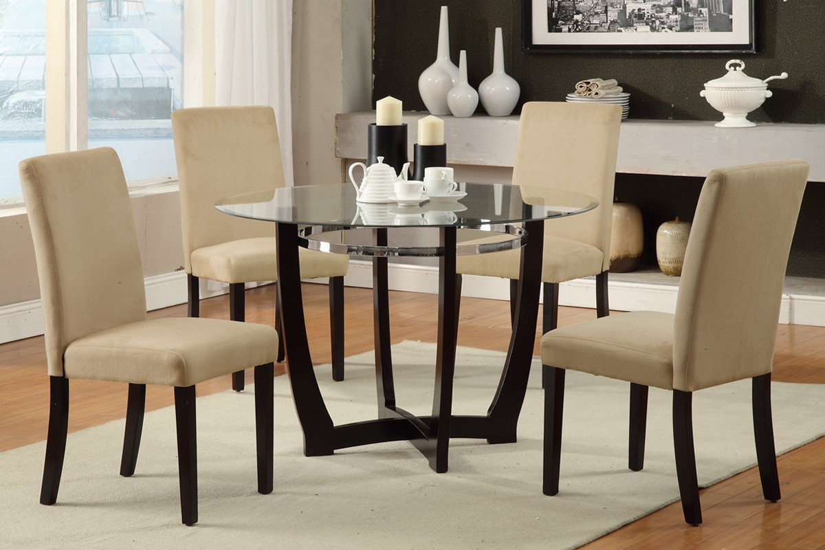 Has Round Dining Table And Chairs To Make Your Home Pleasing Inside Within Best And Newest Winsted 4 Piece Counter Height Dining Sets (View 19 of 20)