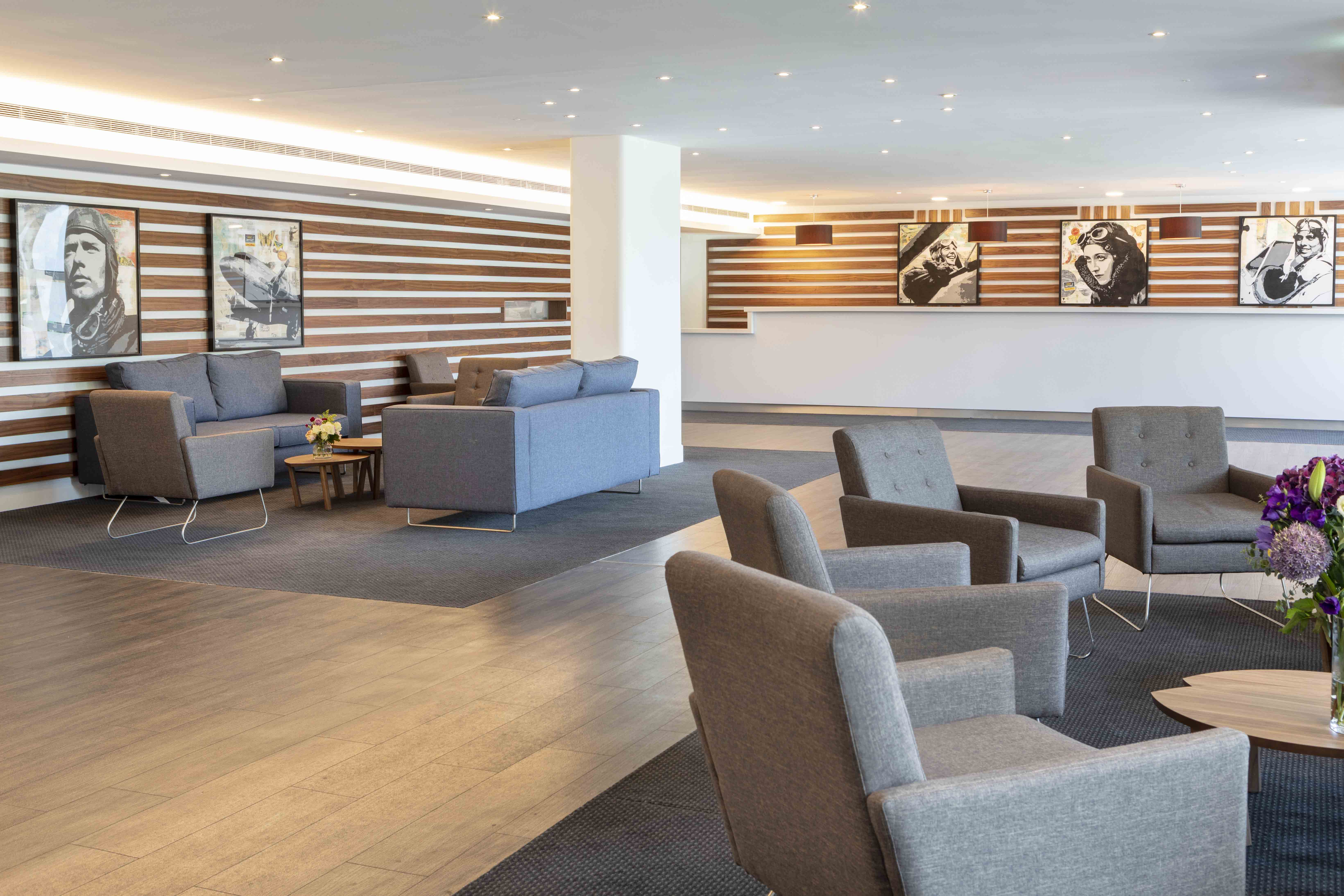 St Giles Heathrow Hotel, Hounslow – Best Rate – Stgileshotels For Newest Giles 3 Piece Dining Sets (View 17 of 20)