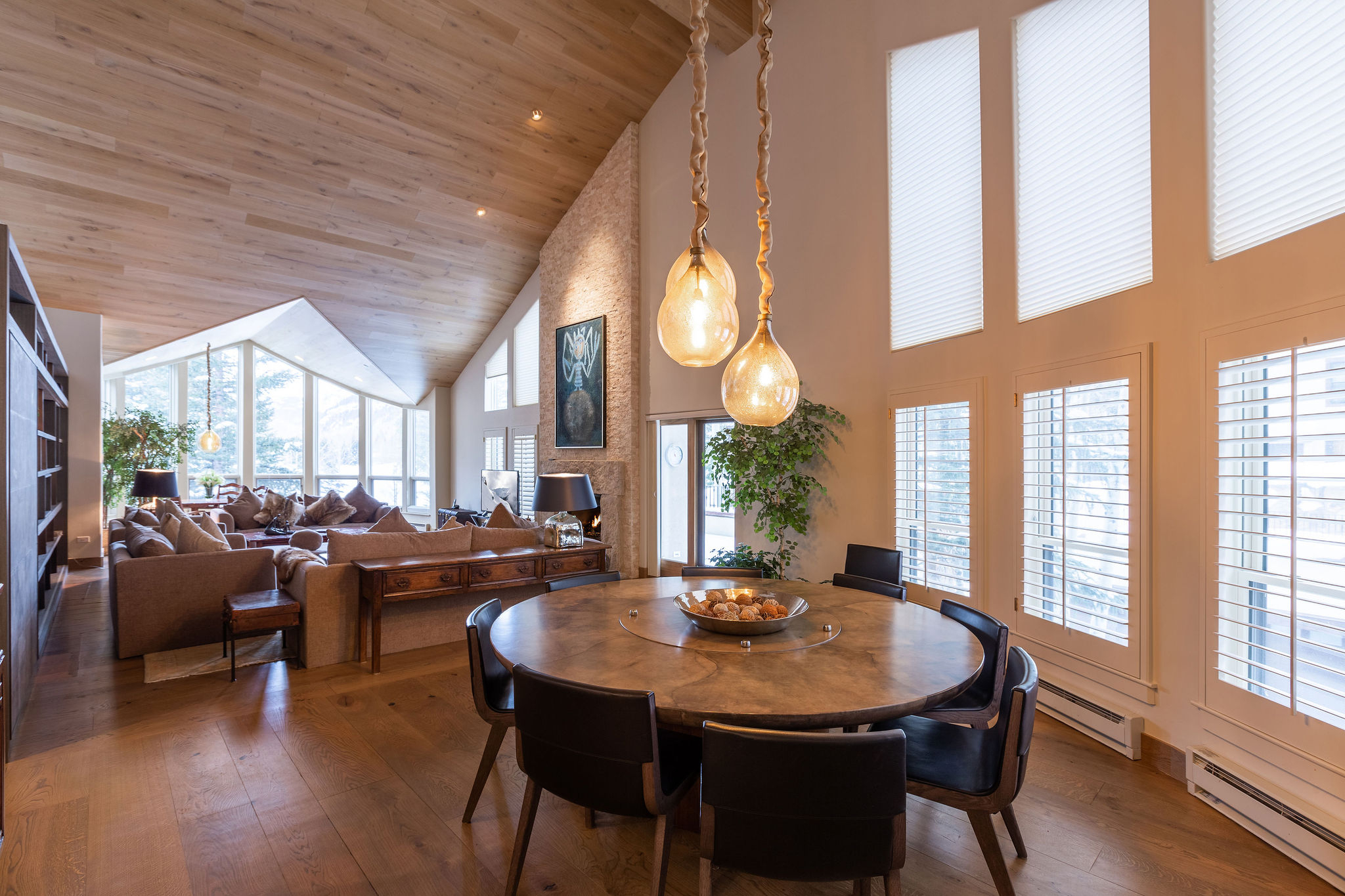 Vail Realty – Northwoods Spruce Bldg 313 5 Bed 4 Bath Vacation Intended For Most Current Northwoods 3 Piece Dining Sets (Image 18 of 20)