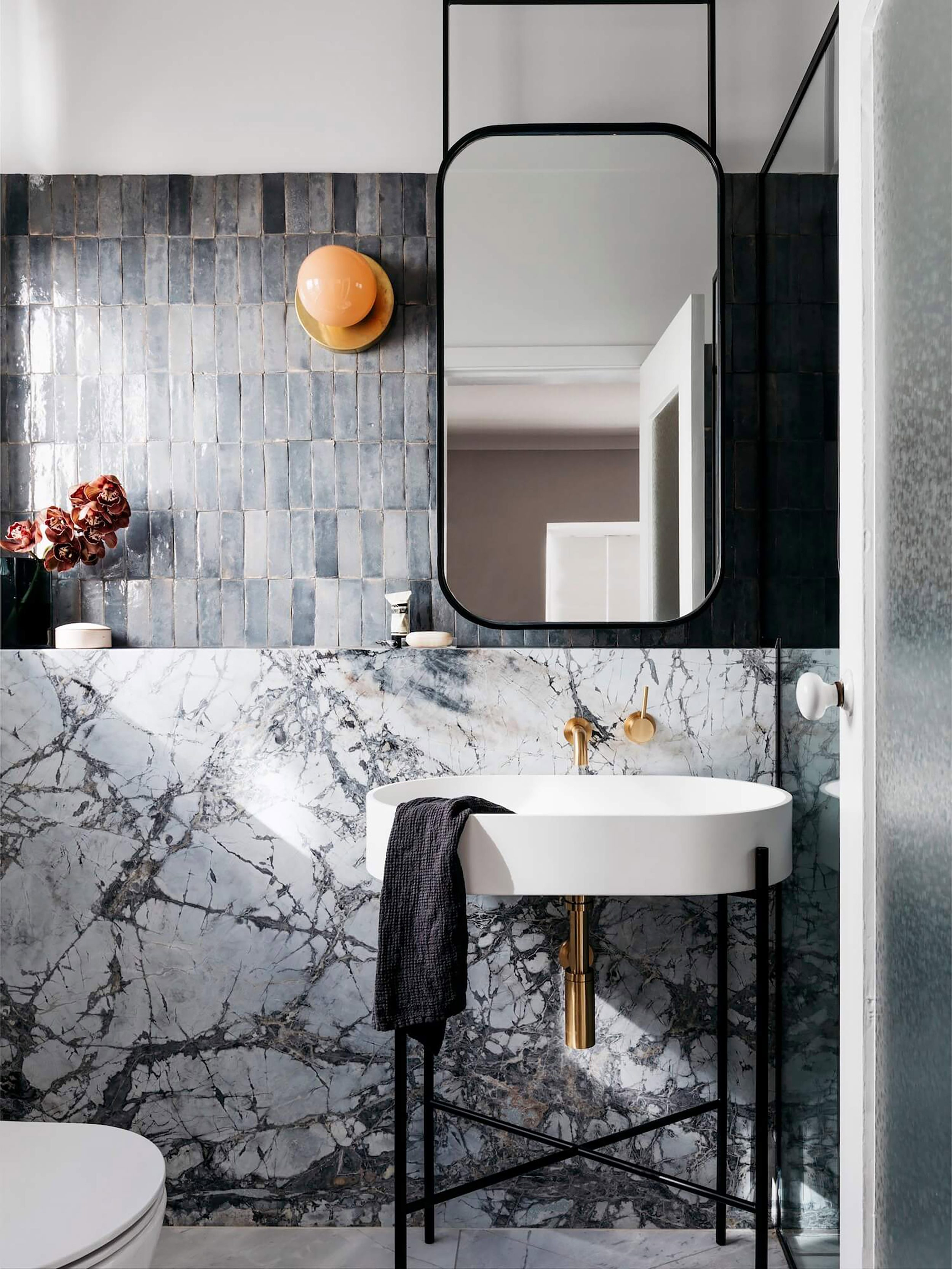 17 Fresh & Inspiring Bathroom Mirror Ideas To Shake Up Your Regarding Vertical Round Wall Mirrors (Image 3 of 20)