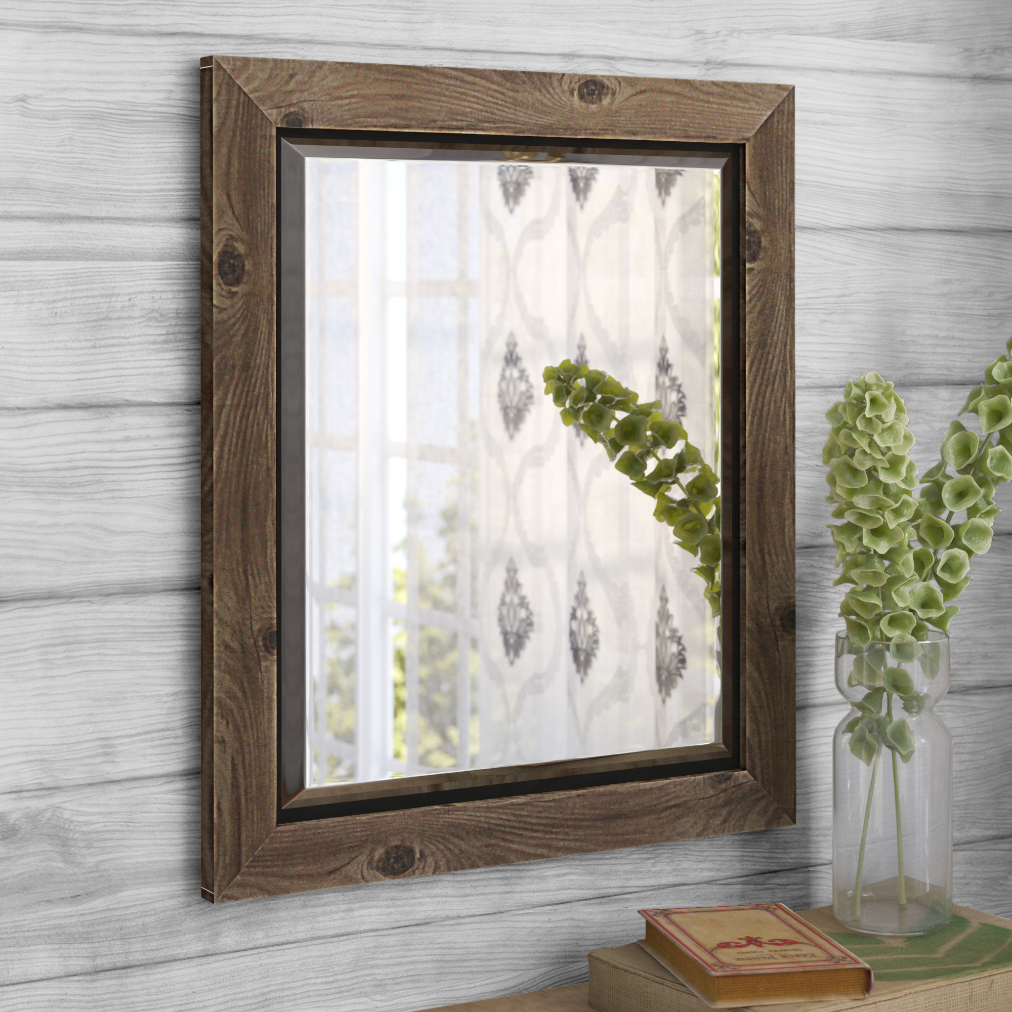 Alyssa Accent Wall Mirror For Tifton Traditional Beveled Accent Mirrors (Image 1 of 20)