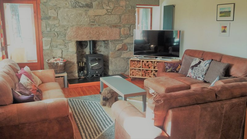 Bynackbeg Lodge Nethy Bridge Ph25 3Dy Has Grill And Secure For Porch & Den Urqhuart Wood Glass Coffee Tables (View 17 of 50)
