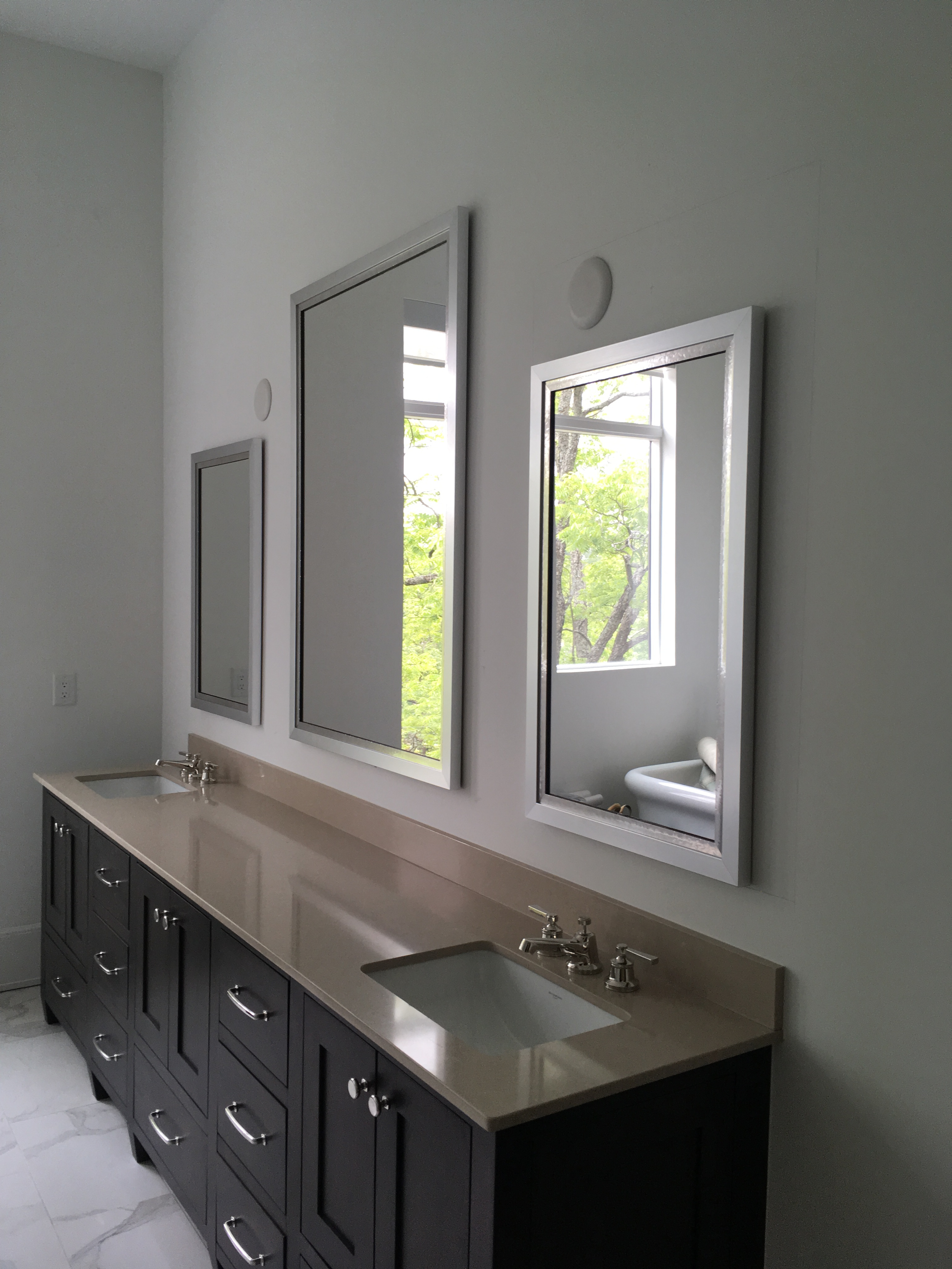 Featured Image of Custom Mirrors