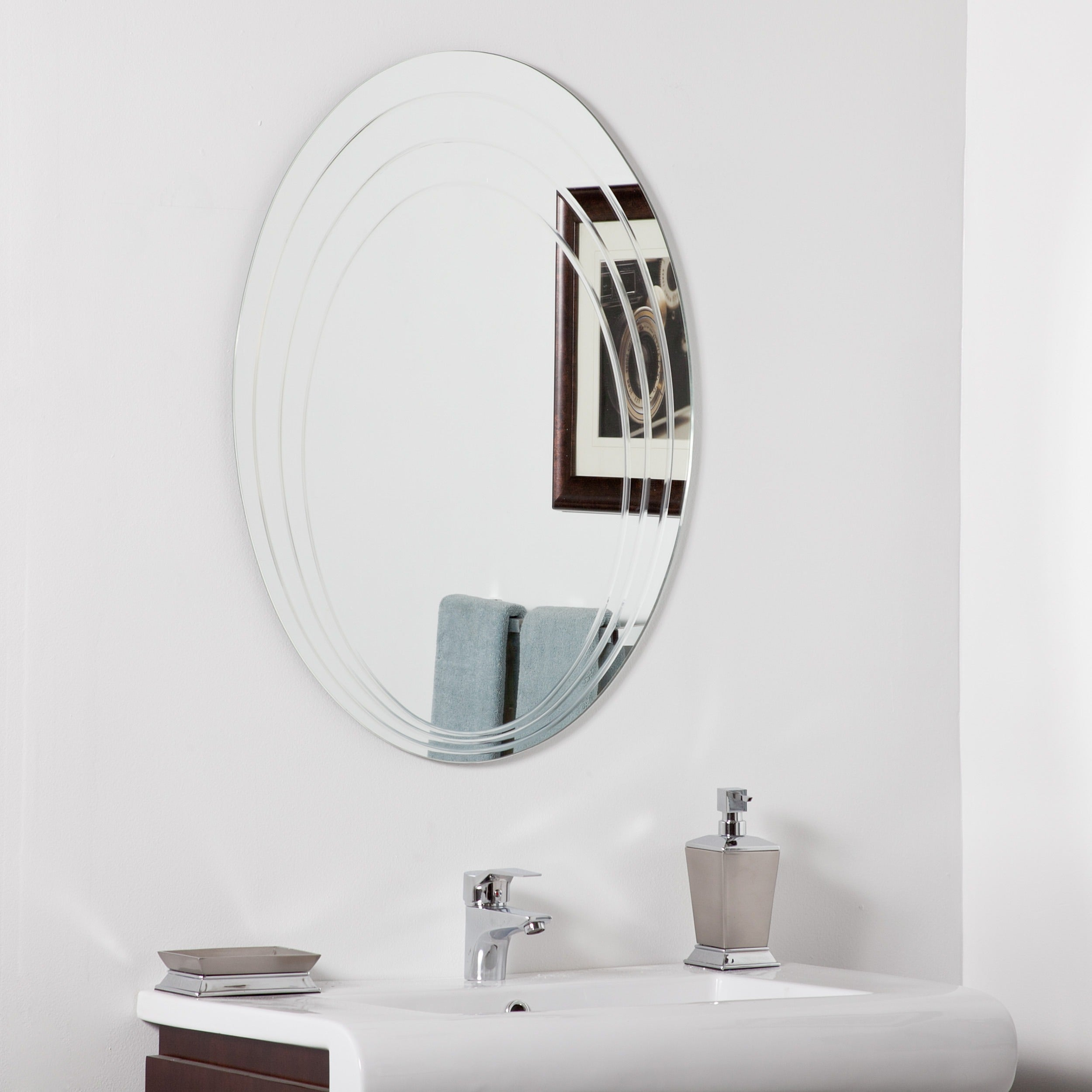 Hanna Modern Bathroom Mirror – Silver – 31.5Hx23.6Wx (View 19 of 20)