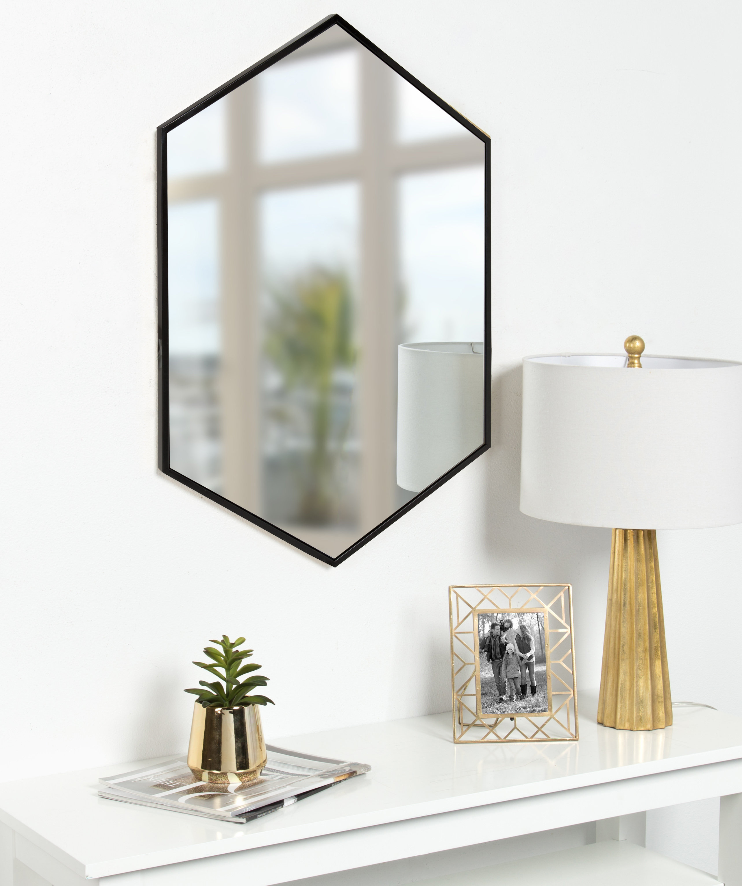 Hentz Modern & Contemporary Wall Mirror Inside Modern & Contemporary Beveled Accent Mirrors (View 19 of 20)