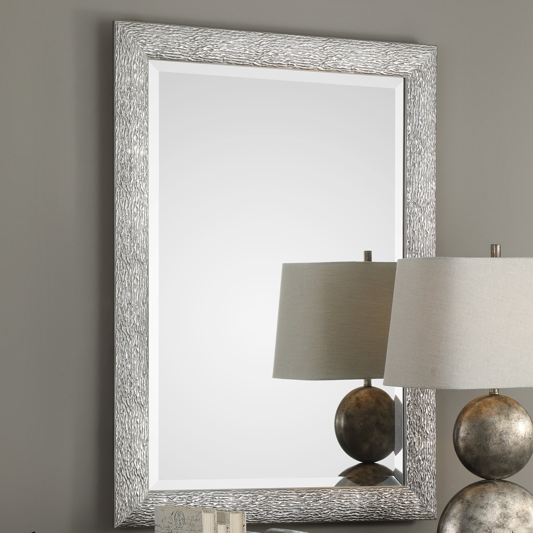 Kyson Mossley Accent Mirror With Abdul Accent Mirrors (View 5 of 20)