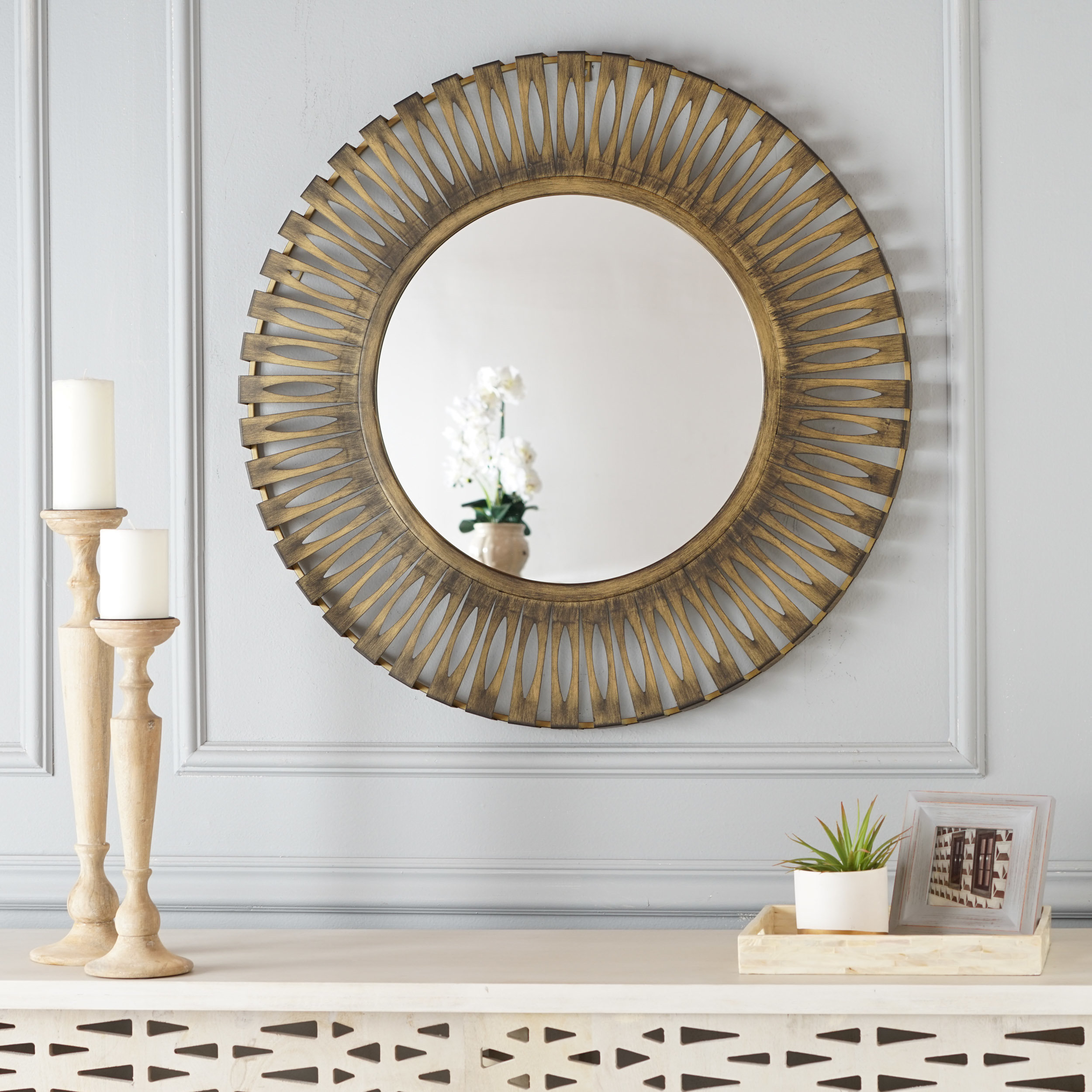 Nitin Hanging Modern & Contemporary Accent Wall Mirror With Laurel Foundry Modern & Contemporary Accent Mirrors (View 18 of 20)