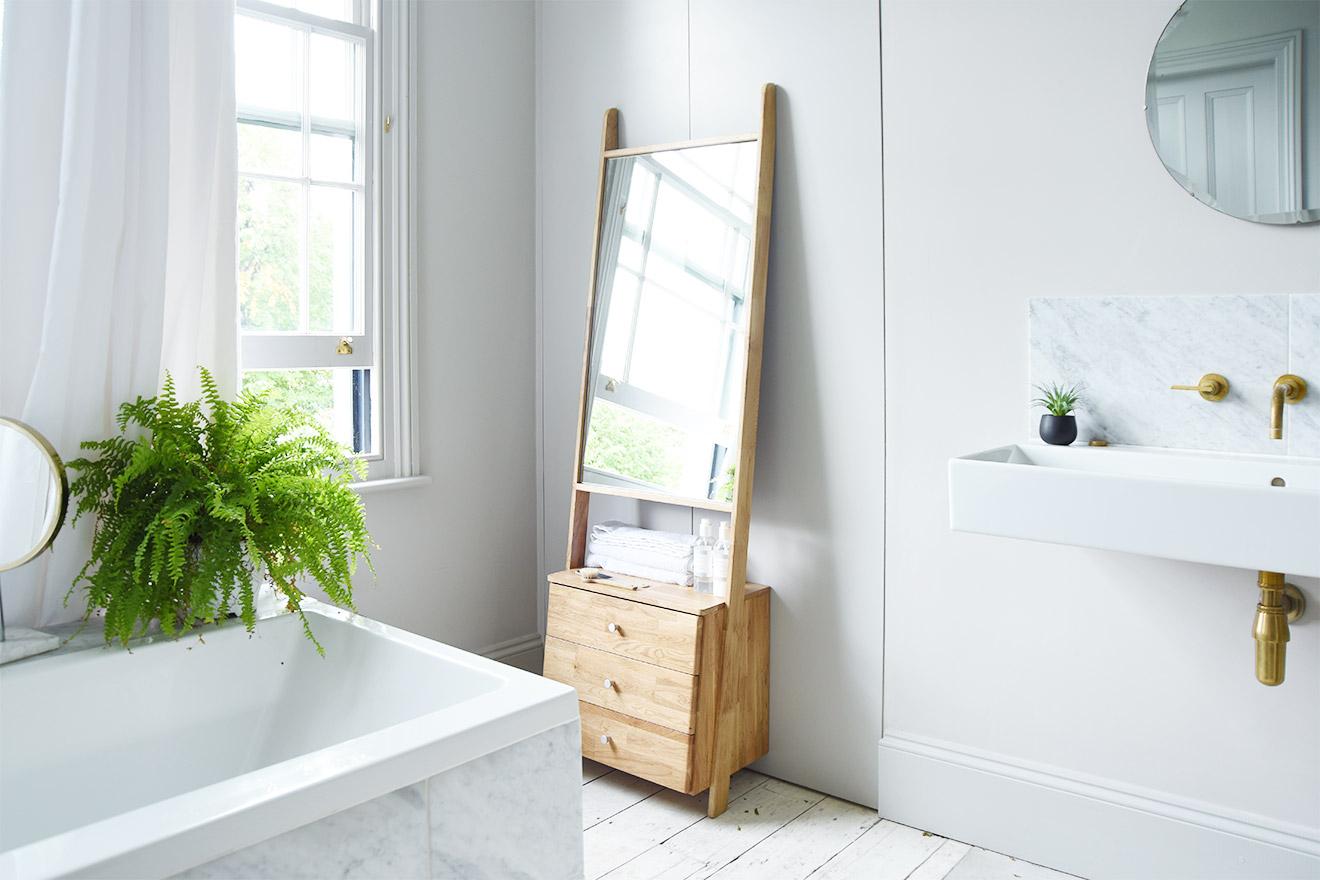Oak Leaning Ladder Mirror Drawers Regarding Leaning Mirrors (View 17 of 20)