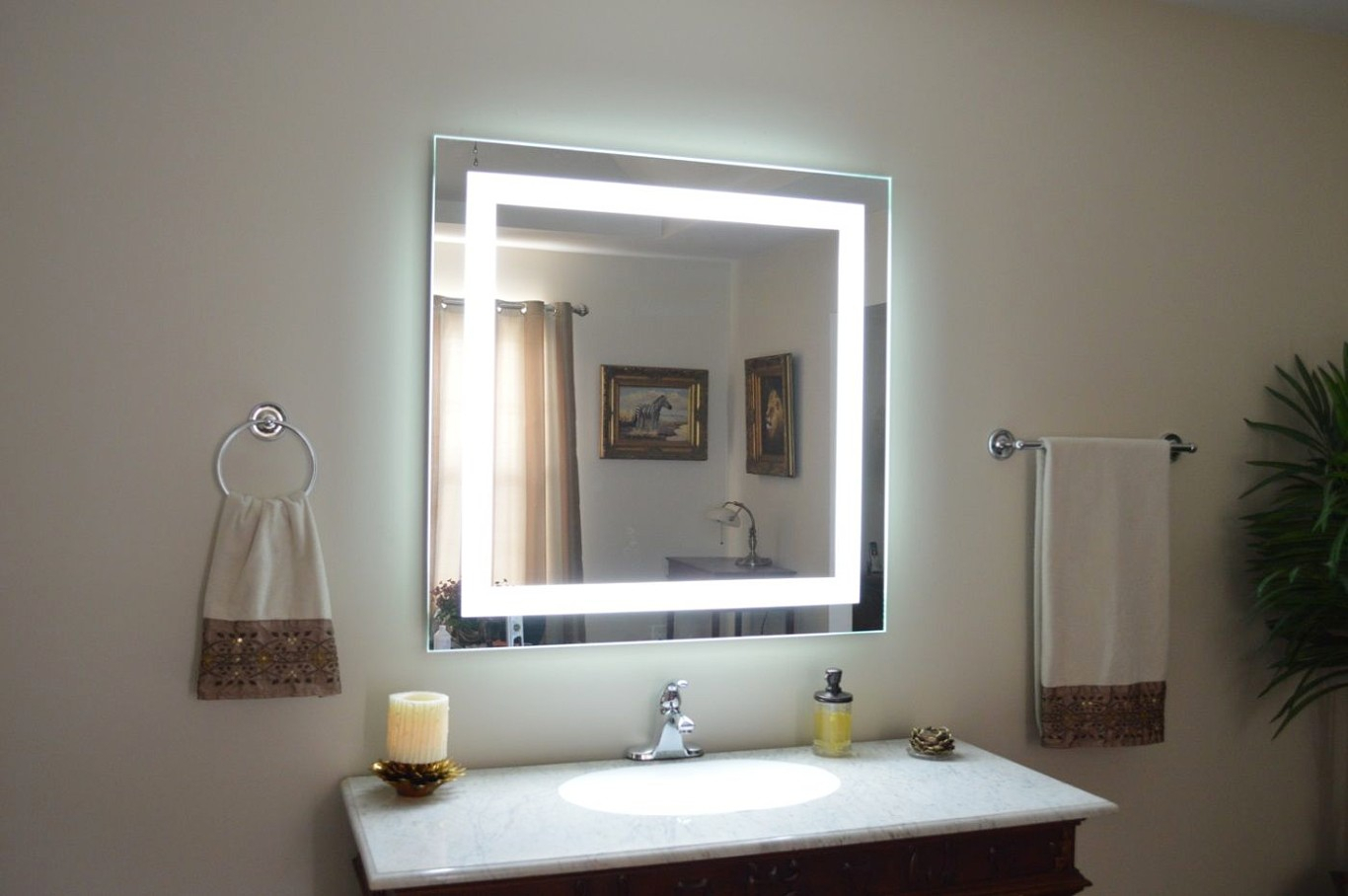 Wall Accent Mirror Traditional Vanity Mirrors Bathroom Of For Traditional Accent Mirrors (Image 20 of 20)