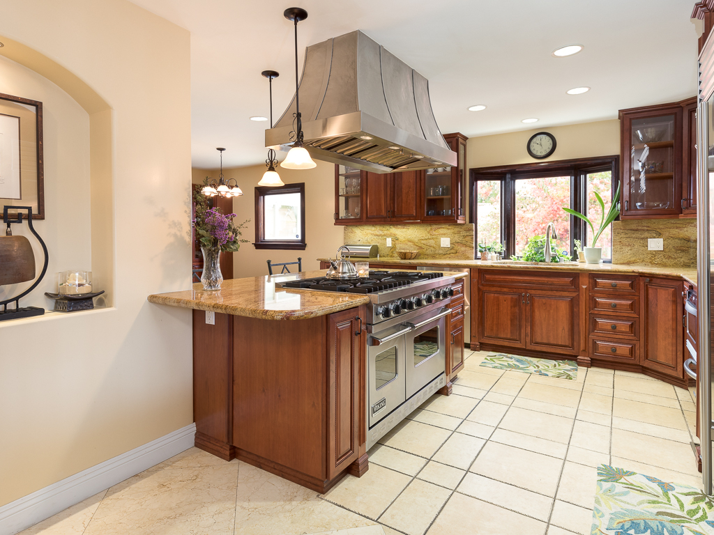 1946 Upland Street, Rancho Palos Verdes Ca | Jerry And Laura For Best And Newest Upland Marble Kitchen Islands (Image 3 of 25)