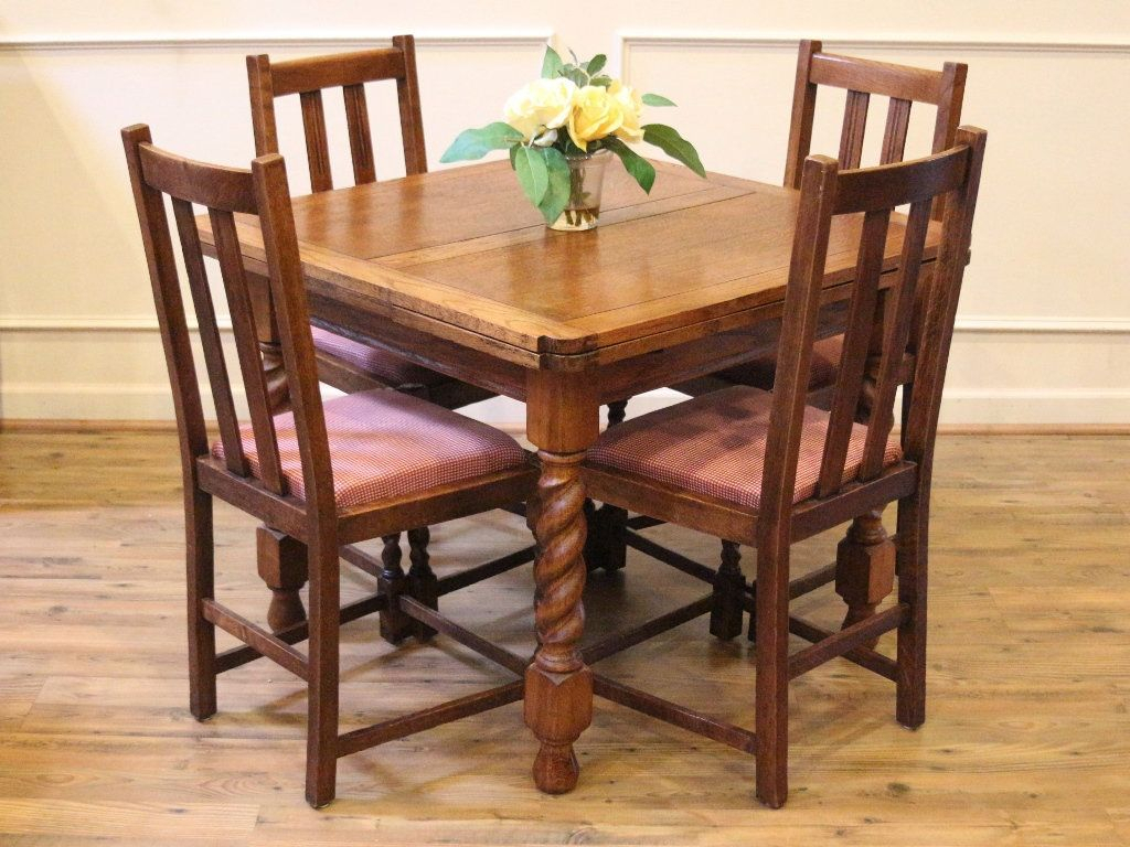Antique English Pub Table And Chairs, Barley Twist, Light Within Most Popular Shaw Dining Tables, English Brown (View 4 of 25)