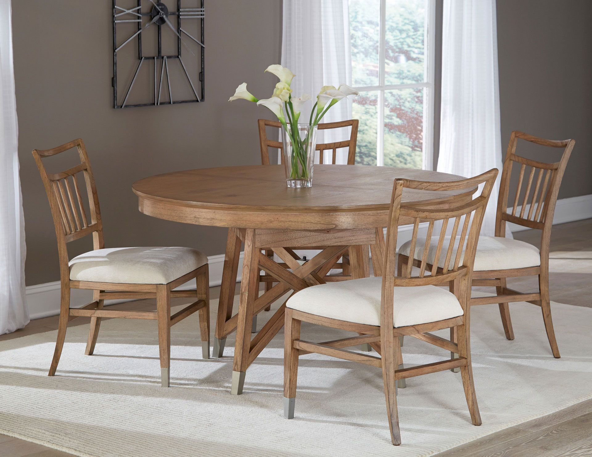 Avery Park Round Dining Room Set   Hekman   Home Gallery Regarding Most Current Avery Rectangular Dining Tables (View 18 of 25)