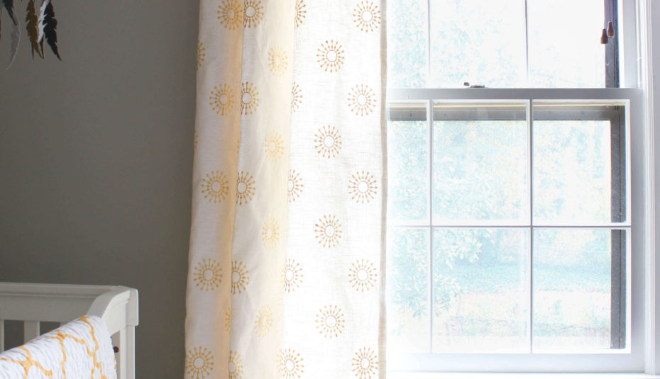 Beautiful Curtains For Bedroom Designs Pictures Living Room Inside Country Style Curtain Parts With White Daisy Lace Accent (View 4 of 25)