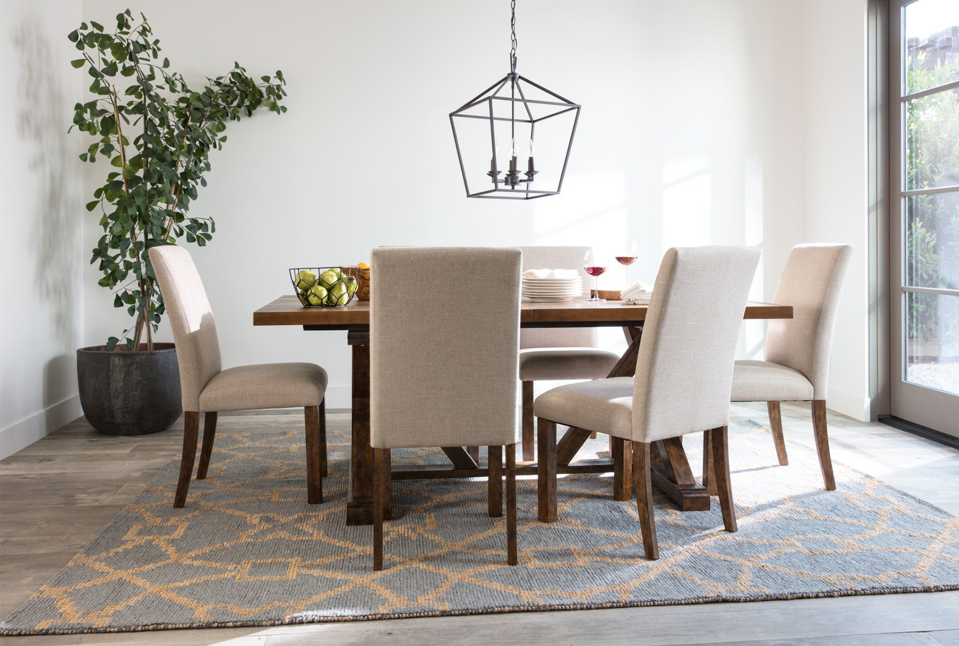 Chandler 7 Piece Extension Dining Set W/fabric Side Chairs Throughout Most Recent Blackened Oak Benchwright Extending Dining Tables (View 23 of 25)