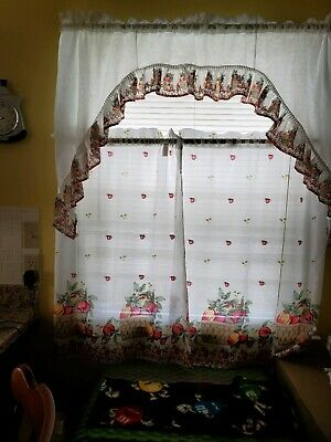Embroidery Pink Tulip And Gold Butterfly Kitchen/cafe With Regard To Cotton Blend Ivy Floral Tier Curtain And Swag Sets (View 25 of 25)