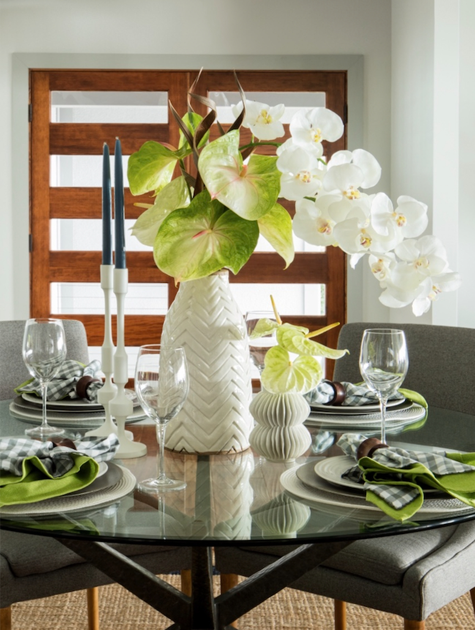 How To Set A Chic Table For Spring With Latest Gray Wash Banks Extending Dining Tables (View 22 of 25)