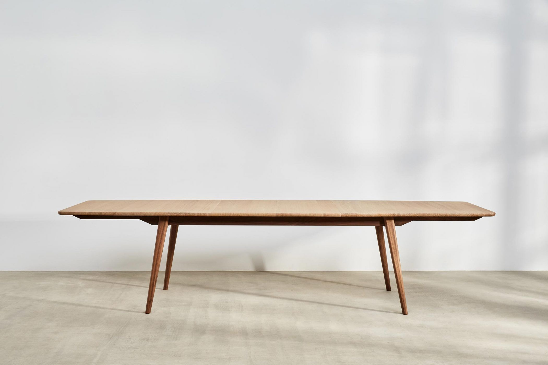 Ideas About Extending Dining Bench, – Howellmagic Dining Throughout Most Popular Rustic Mahogany Benchwright Pedestal Extending Dining Tables (View 13 of 25)