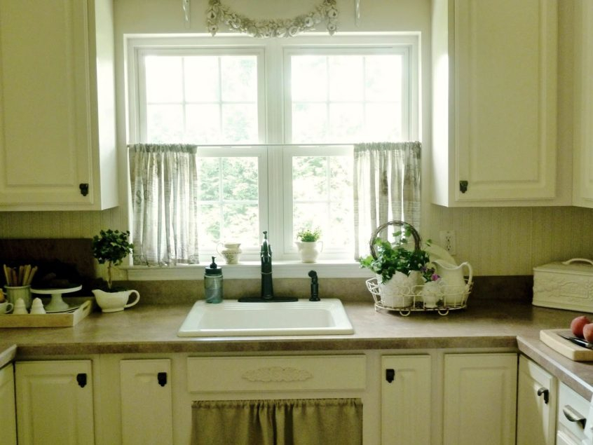 Kitchen: Kitchen Contemporary Curtains And Valances Of Throughout Classic Black And White Curtain Tiers (View 21 of 25)