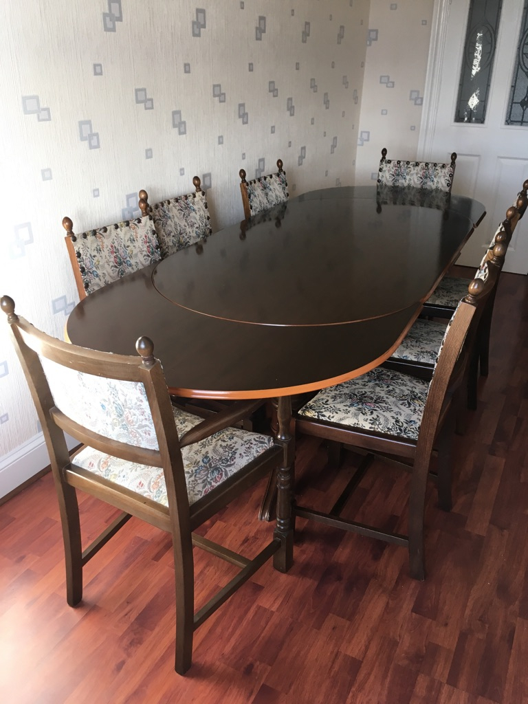 Mahogany Extending Dining Table & 8 Chairs Throughout Newest Faye Extending Dining Tables (View 25 of 25)