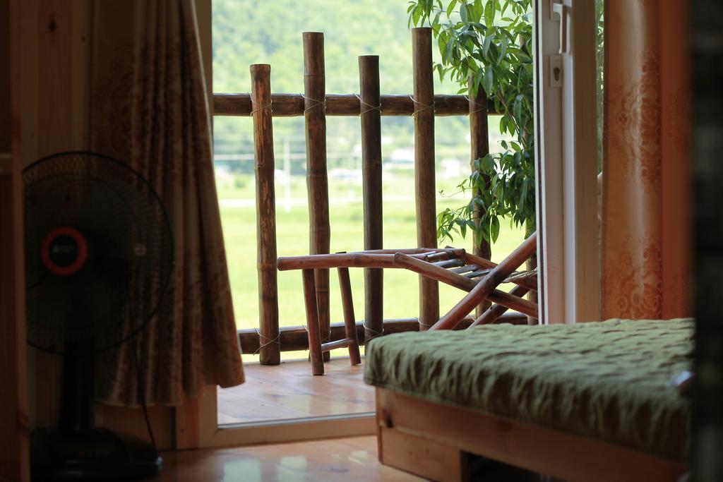 Mai Chau La Vida, Vermietungen Mai Chau Throughout La Vida Window Curtains (Image 14 of 25)