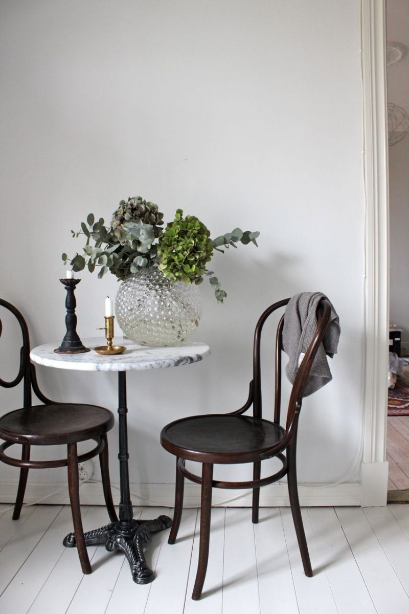 Marble Table And Thonet Wooden Chairs (View 15 of 25)