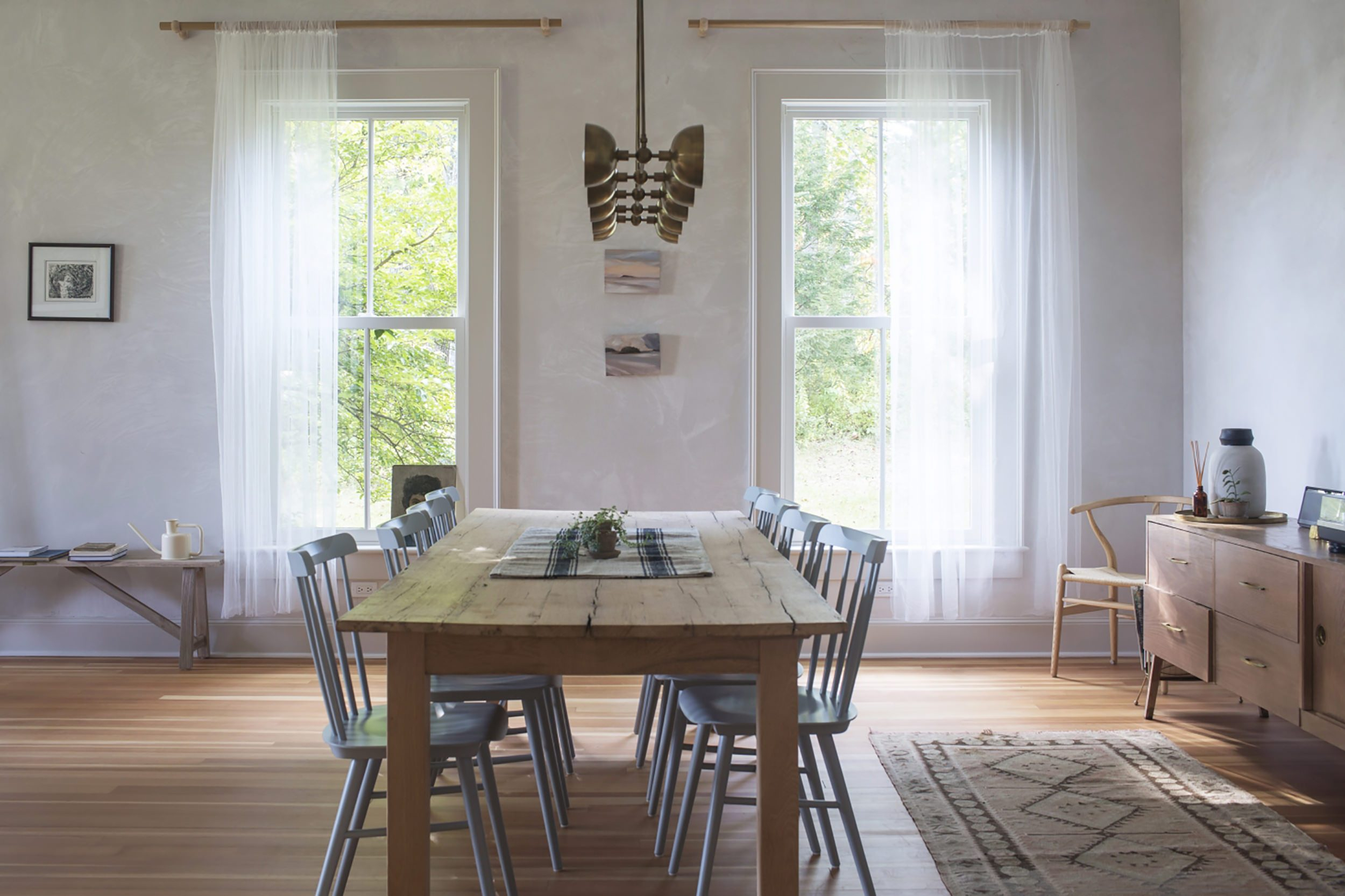 Modern Traditional Style Home: Furniture Roundup – Emily Pertaining To Most Recently Released Modern Farmhouse Extending Dining Tables (View 23 of 25)