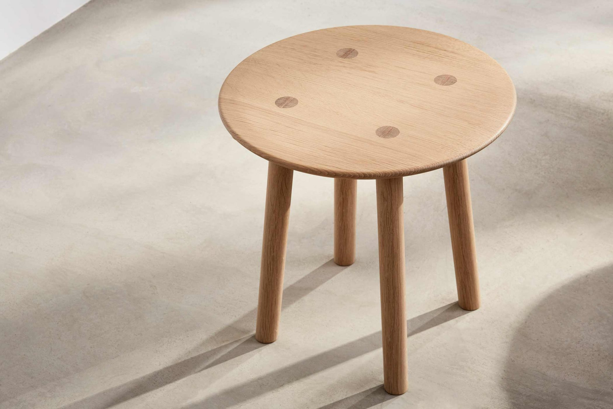 Ovo Side Table Within 2017 Ingred Extending Dining Tables (View 8 of 25)