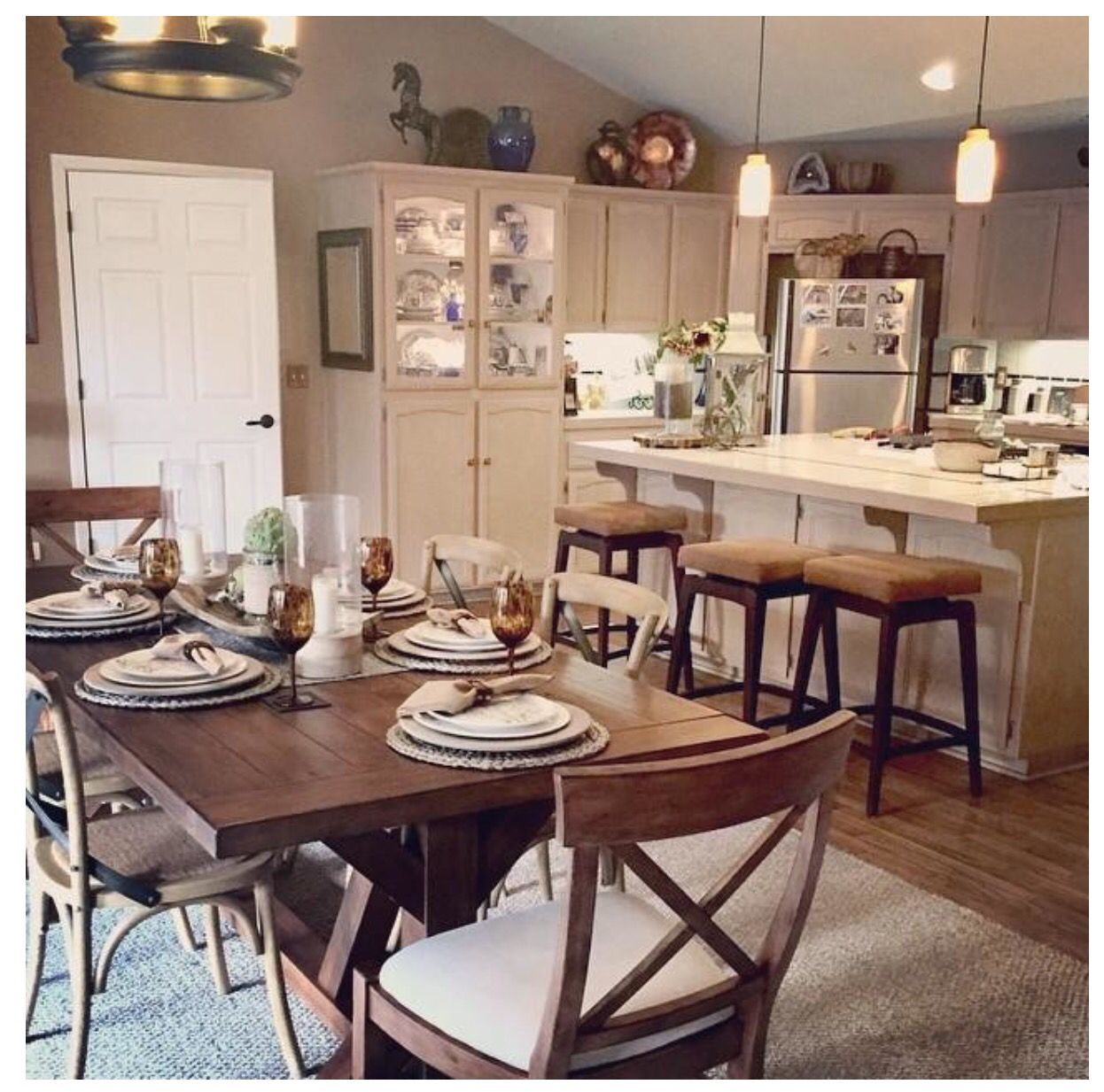 Pottery Barn: Toscana Extending Dining Table | Out With The With Regard To Most Current Tuscan Chestnut Toscana Dining Tables (View 24 of 25)