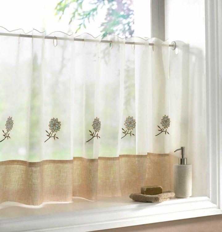 Praktische Küchenvorhänge Mit Verschiedenen Optionen Für Intended For French Vanilla Country Style Curtain Parts With White Daisy Lace Accent (View 20 of 25)