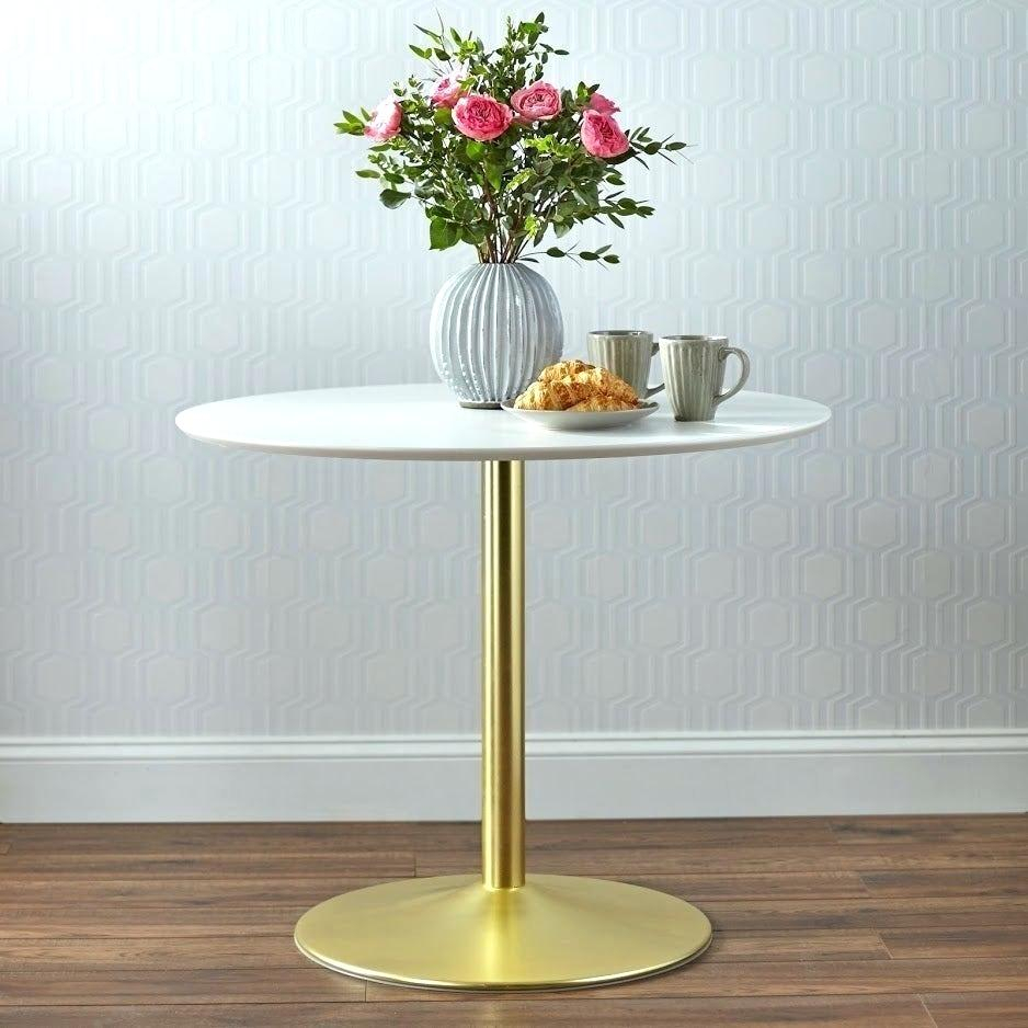Round Dining Table With Pedestal – Doglar Inside Current Gray Wash Banks Pedestal Extending Dining Tables (View 11 of 25)