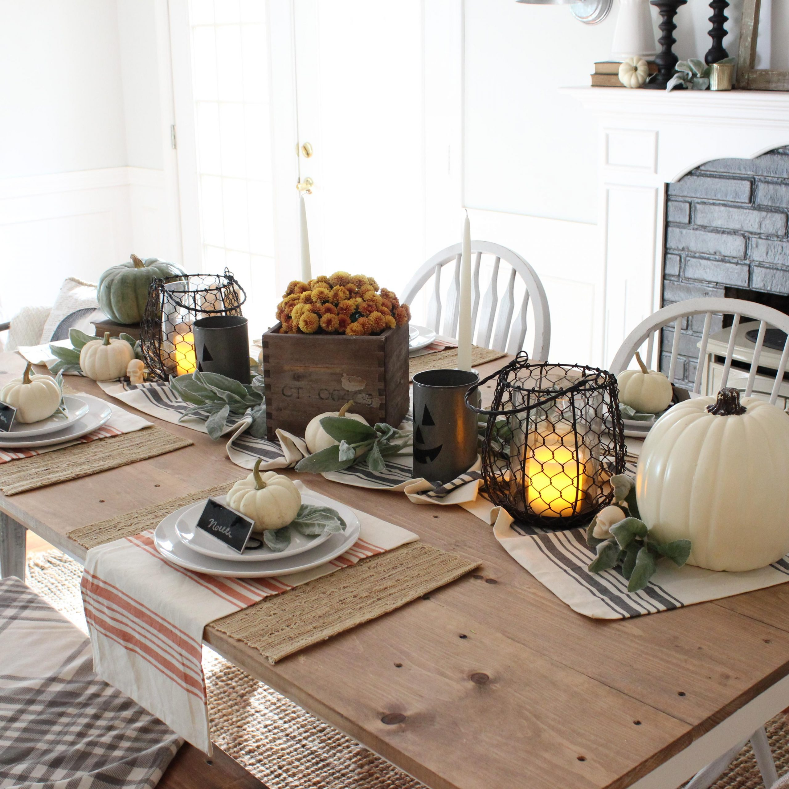 Rustic Dining Room Table Decor: Rustic Halloween Dining For 2018 Alfresco Brown Benchwright Pedestal Extending Dining Tables (View 24 of 25)