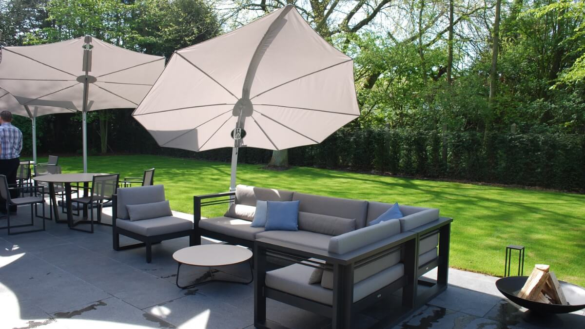 Umbrosa Icarus Cantilever Umbrella | Design Concepts In Most Up To Date Icarus Round Bar Tables (View 24 of 25)