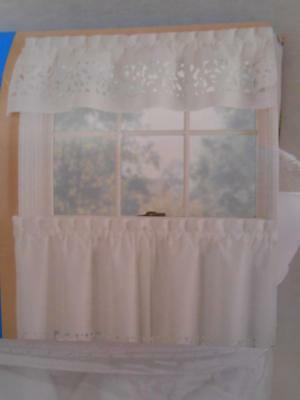 White 3 Piece Kitchen Curtains Valance & Tiers Cafe Curtains Within Geometric Print Microfiber 3 Piece Kitchen Curtain Valance And Tiers Sets (View 11 of 25)