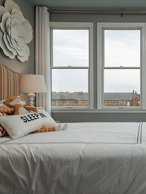Your 7 Step Guide To A Better Night's Sleep | Stylight Inside Waverly Kensington Bloom Window Tier Pairs (View 11 of 25)