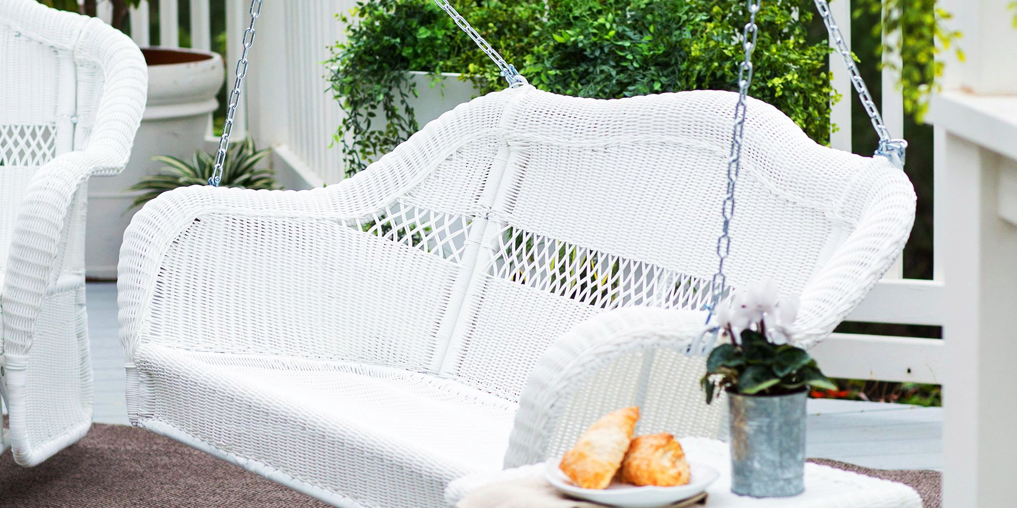 9 Best Porch Swings For 2018 – Outdoor Porch & Patio Swings In Bristol Porch Swings (Image 6 of 25)